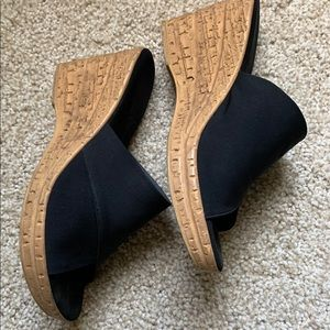 Onex black wedge shoes, tan bottom. Size 8.